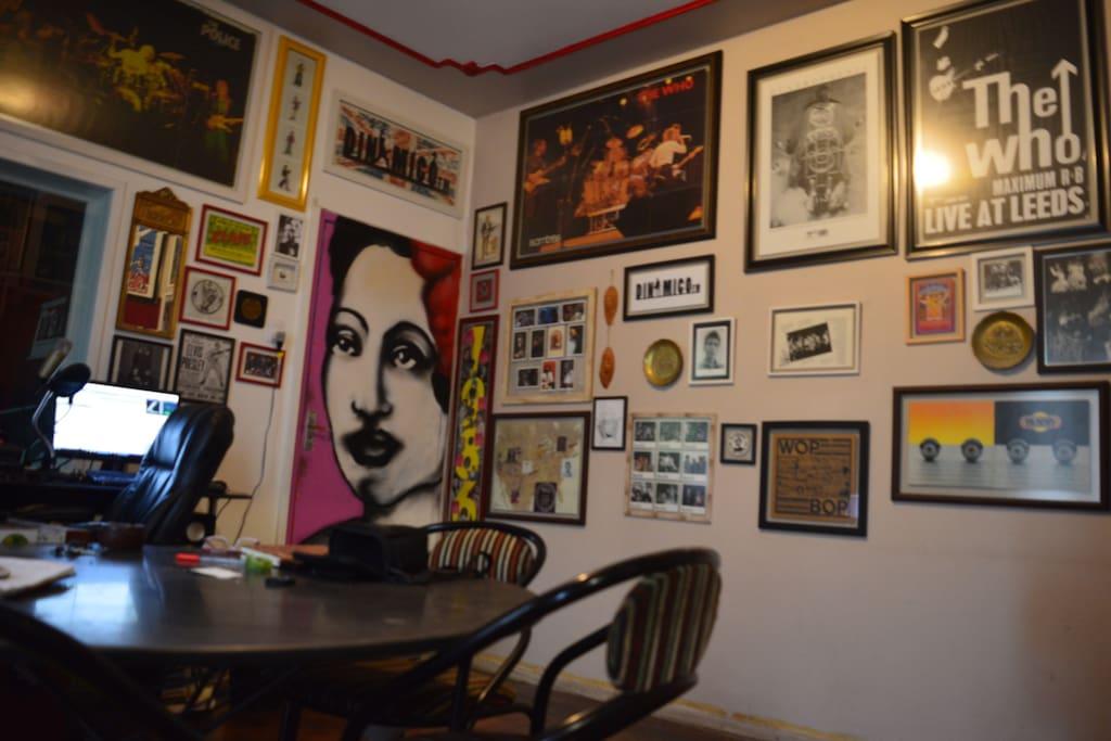 Dinamico FM Casa De Rock - Sala De Estar 2