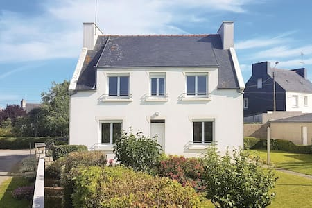 Holiday cottage with 4 bedrooms on 128m² in Pouldreuzic