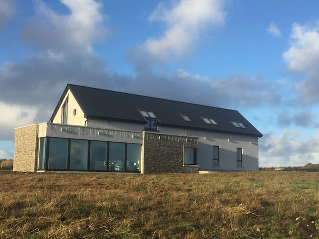 Contemporary Newly Built House - Tallagh Hill - Hus
