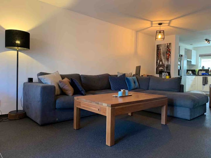 Quiet & comfy home away from home with gym