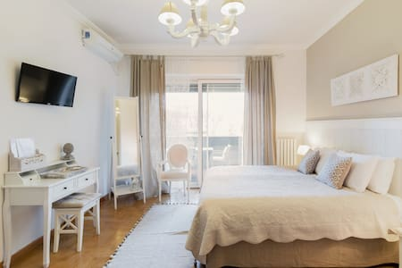 Holiday in Style at This Elegant Roman Space
