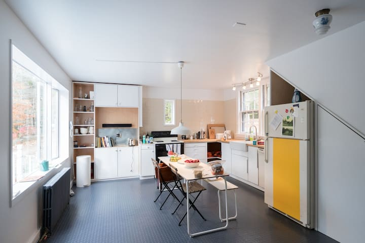 Cabin for design lovers (and their family!) - Sandisfield - Houten huisje