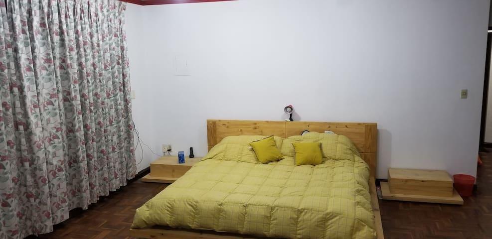 2 Bedrooms in a big nice house. La Paz Bolivia