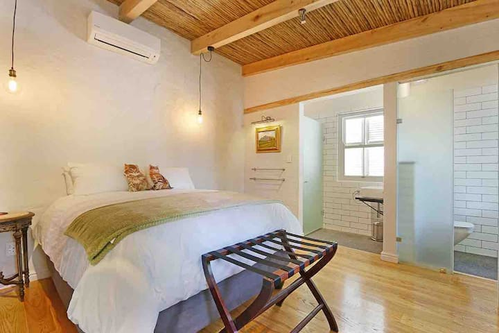 Second bedroom at Nooks with on suite facilities