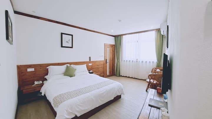 静心标准大床房(景区内,带浴缸)