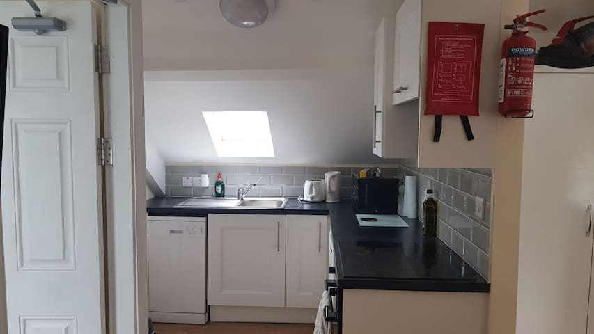 apartment 4 1 double bed 1 sofabed  sleeps 4