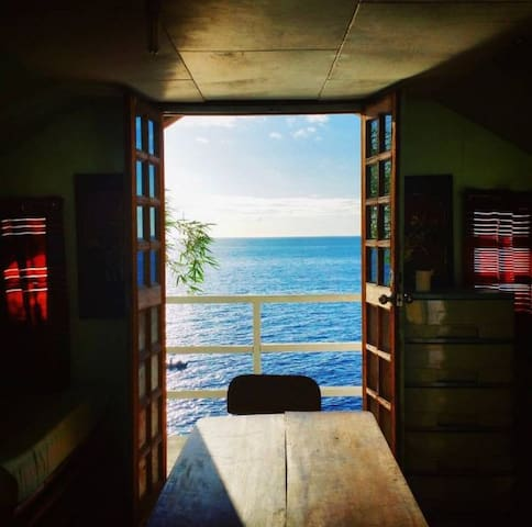 Oceanview Room - La Bella House