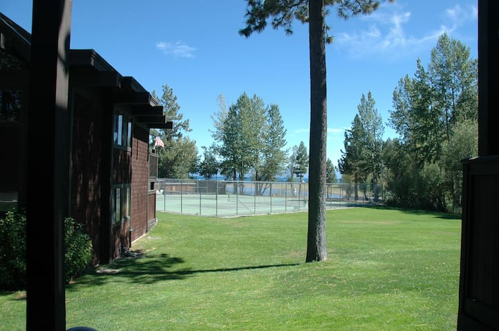 Tahoe Marina Lakefront Unit #4