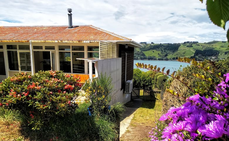 Privacy, water views & big lawn - close to town