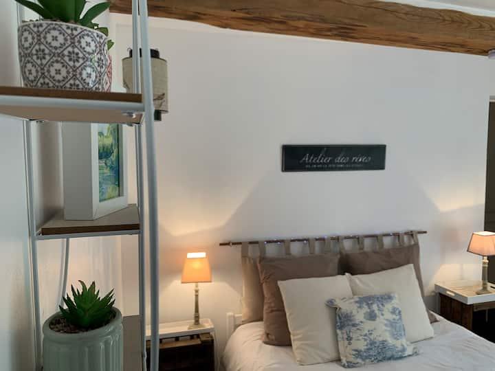 """Notre chambre """"George Sand"""" avec accès privé"""