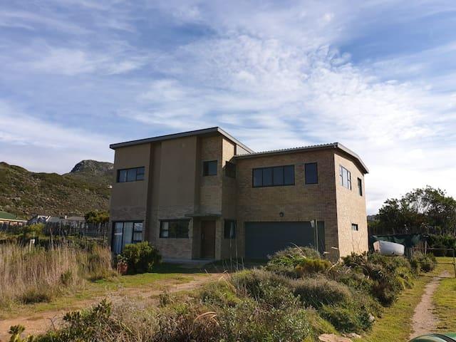 Sea Breeze Holiday House