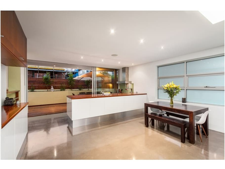 Kitchen/dining/verandah