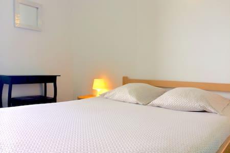 Chambre double n°2  - Chalet Pietri - Bed & Breakfast