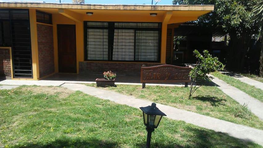 Casa amplia con aire acondicionado en Playa Grande