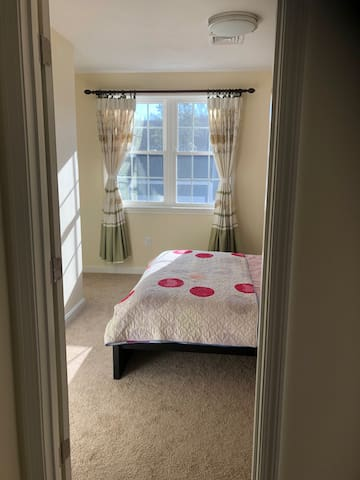 Private room in Millbury
