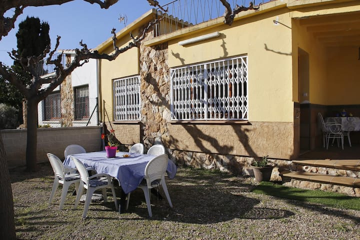 AT212 PIEI: House for 6 people in the district of Els Munts 650 m from the beach