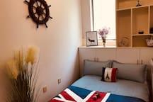 卧室(1)一角,具体点击我的头像查看我的房源:标题为【英伦风】