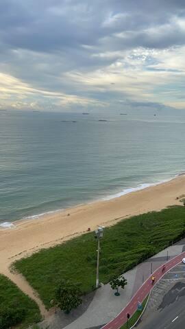 Hospedagem de frente para o mar na praia da Costa