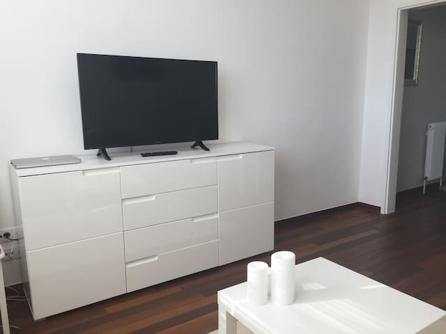 All furnitures, devices are brand new - gives a great feeling!