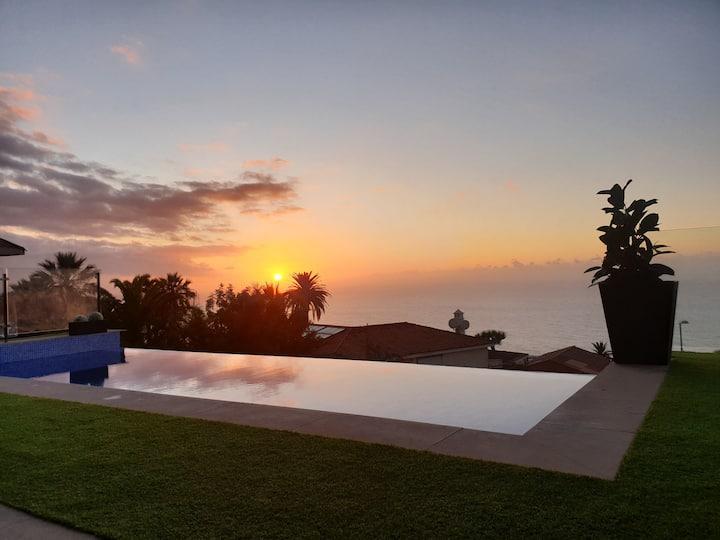 Espectaculares vistas al oceano con piscina climatizada