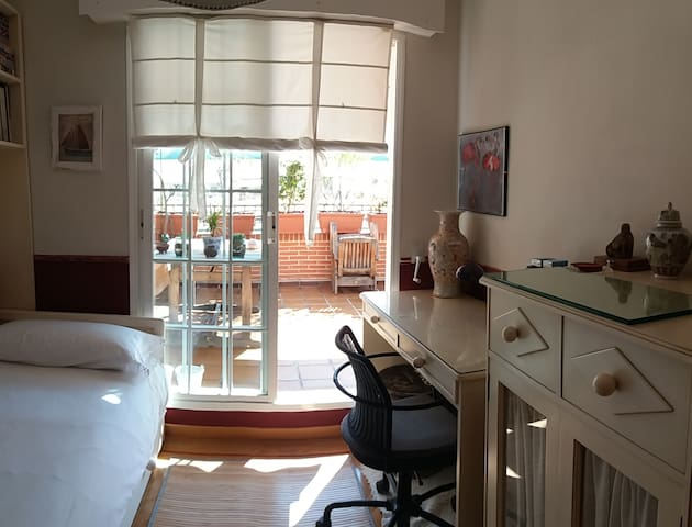 Nice Room in Attic Atocha-Renfe
