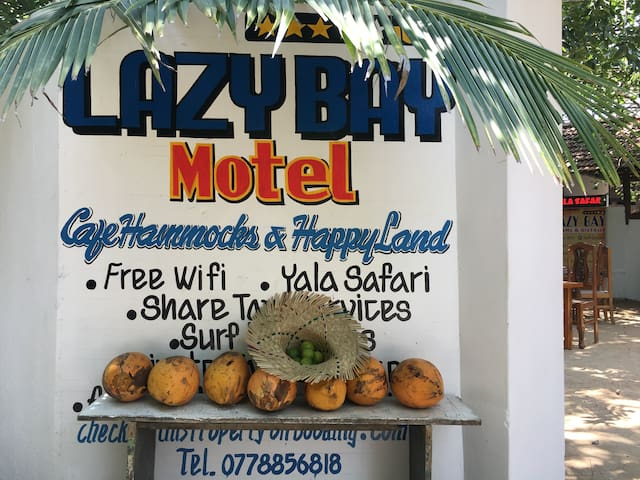 Lazy Bay Motel - Arugam Bay - Bed & Breakfast