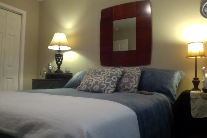 Peaceful House near GSU, private room and bath! - Statesboro - Ház