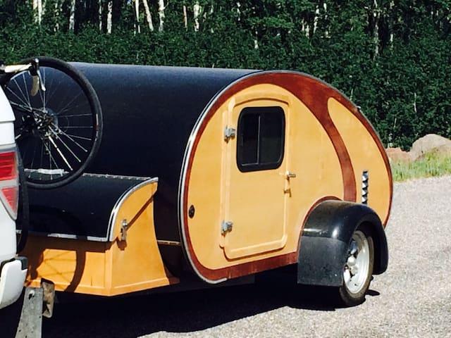 Teardrop Trailer-Glamping (Glamour Camping)