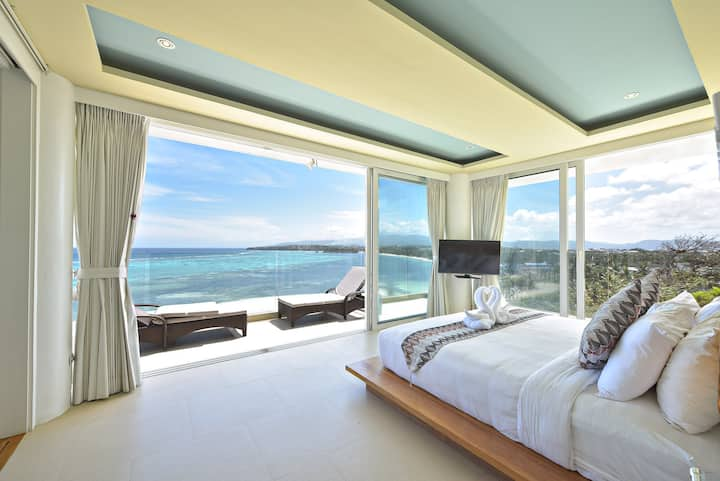2 BR suite with a 180 degree ocean view
