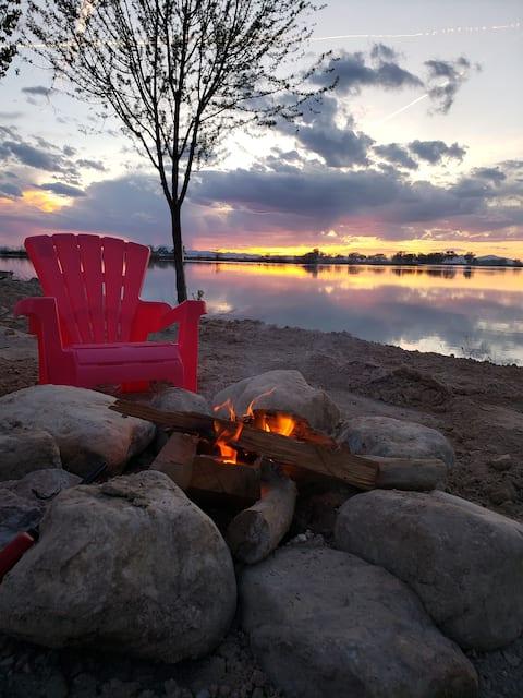 Живите у озера рядом с приключениями в Западной пустыне