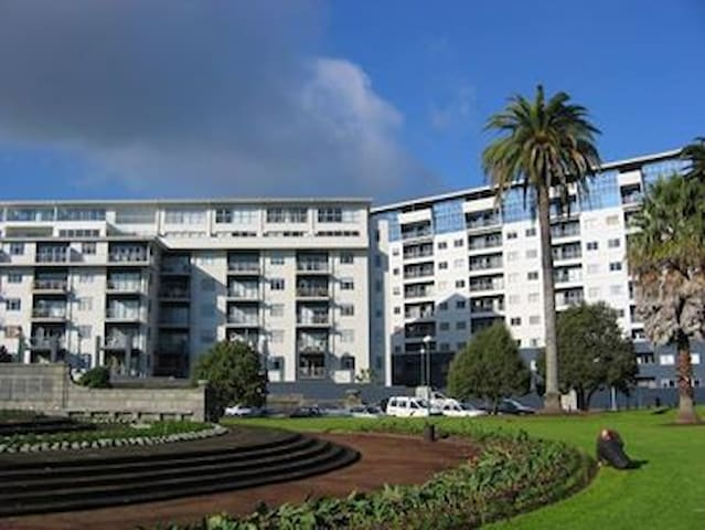 Auckland Central- Perfect Location!!!