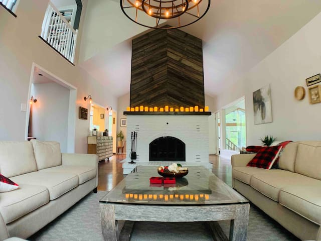 Awesome home for large families or get togethers
