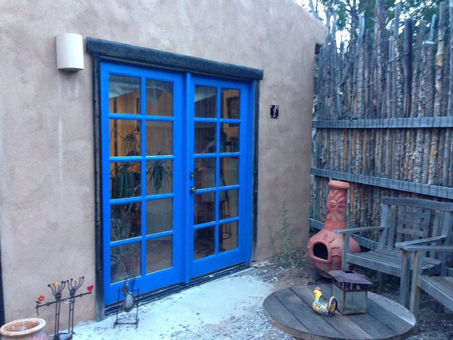 Private entrance & patio!