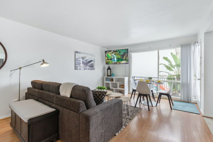 Dreamy Dwelling a Block from the Beach/Pier W/ Shared Pool & Private Balcony