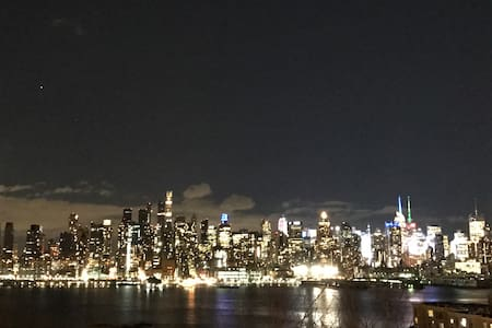 Stunning Views - 10mins to Times Square - Weehawken