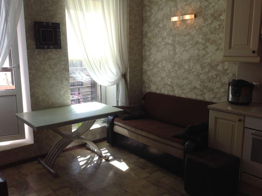 раскладной диван-кровать на кухне