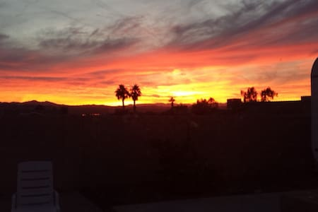 Guest Cottage LOCATION 1 Mile to Water & Downtown - Lake Havasu City