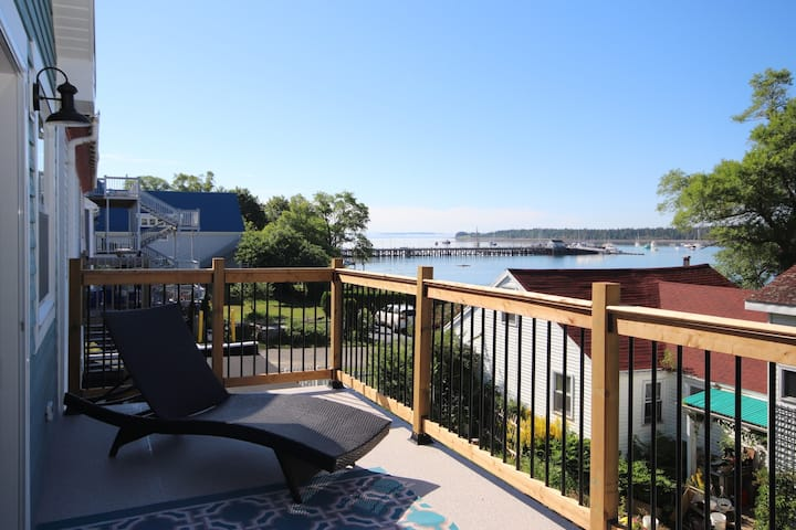 Location, location, location! Water view, downtown