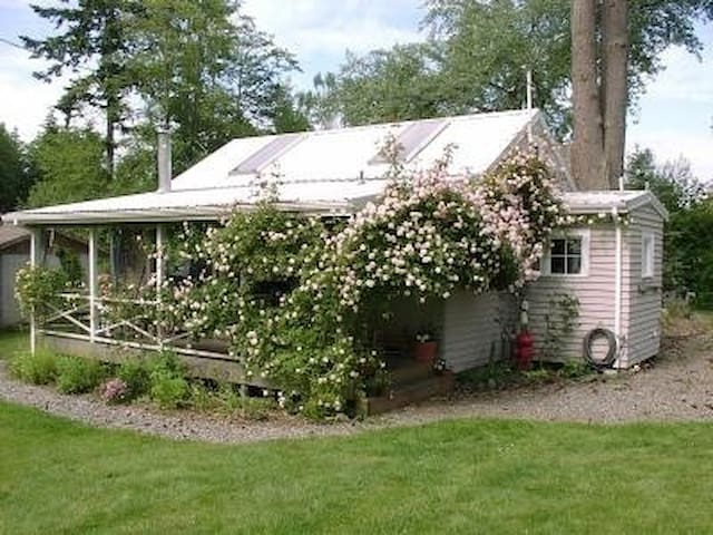 Foxbrier Cottage - Poulsbo