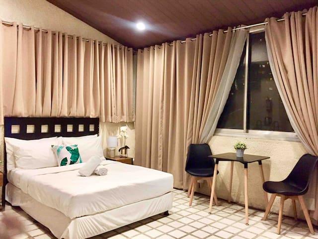 Greenbelt Studio Suite in Legaspi Village Makati