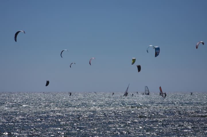 2 meters from the sea-2 km Kitesurf-9 km City cent - Reggio Calabria - Semesterboende