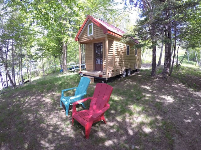 Tiny House on Mactaquac Headpond