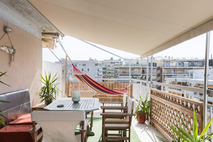 CHARMING ROOFTOP RETREAT WITH PANORAMIC VIEW - Paleo Faliro - Apartamento