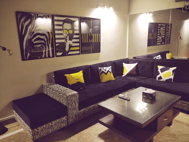 "HiFi 1BHK Apartment in F10+Netflix ""TheWareHouse"""