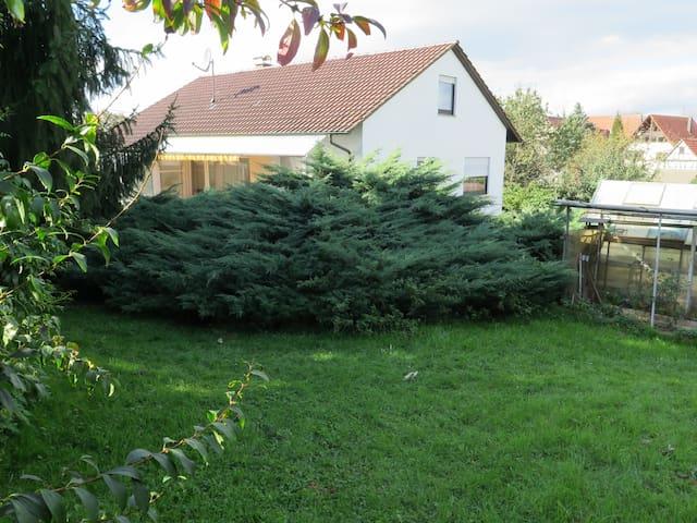 Familien-und Tiergerechtes alleinstehendes Haus - Marbach am Neckar - Hus
