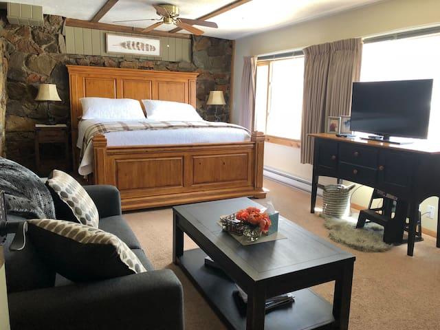 World's End Brewpub & Inn Suite #3 King