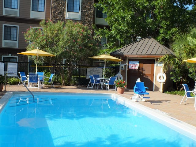 Fully Equipped Suite | Free Wi-Fi, Free Breakfast + Outdoor Pool