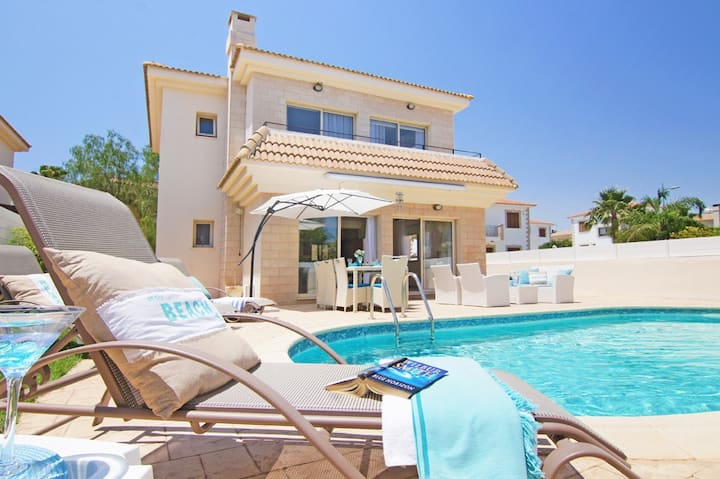 Sonja-luxury villa with pool near the beach
