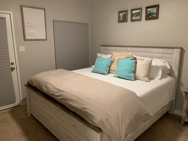 We have selected some pretty comfy linens! Check out our reviews for cleanliness