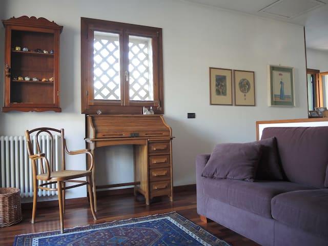 Intero piano con bagno privato - วิเซนซา - บ้าน